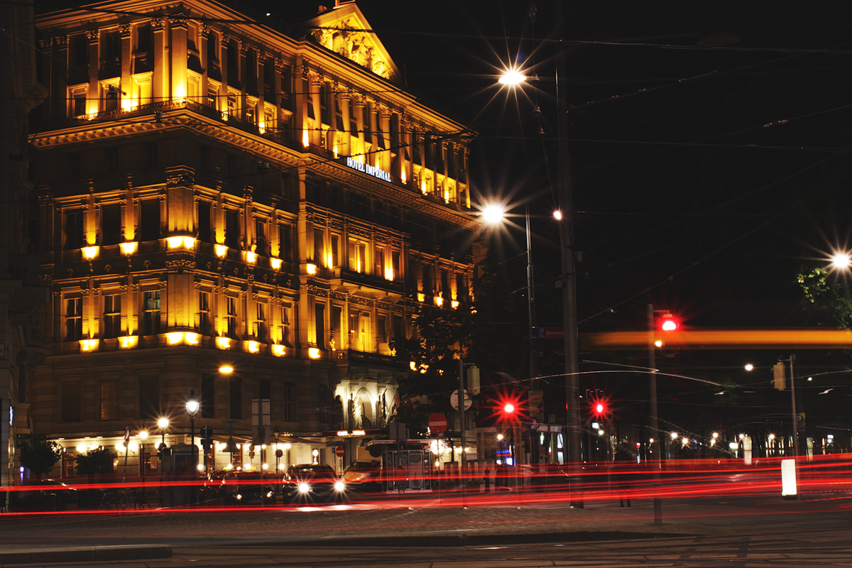 Vienna At Night – Opera, Ring and Schwarzenbergplatz